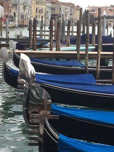 gondola-blue