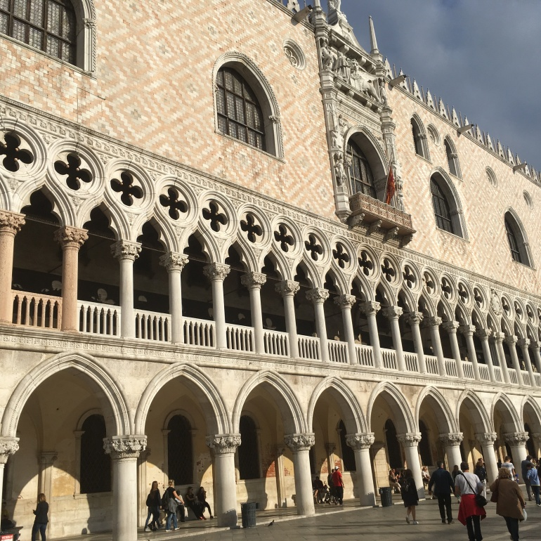 doges-palace-columns