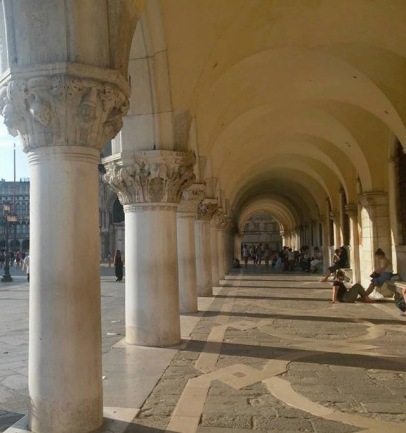 Le colonne di Palazzo Ducale a Venezia