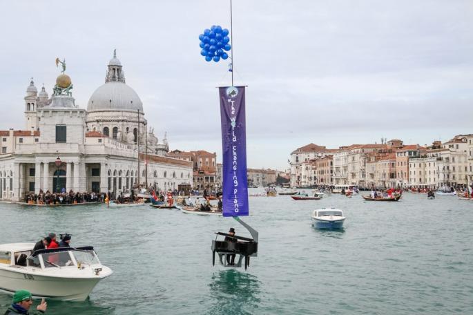 pianist-paolo-zanarella-floating-salute-church-venice