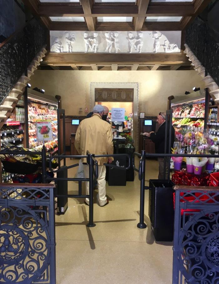 Teatro Italia Supermarket Entrance