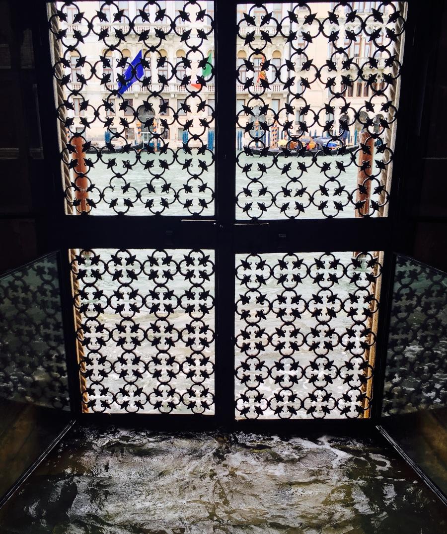 Jan Fabre - Glass and Bone Sculptures, Abbazia di San Gregorio 35