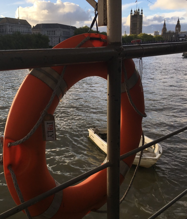 London Thames River lifebuoy